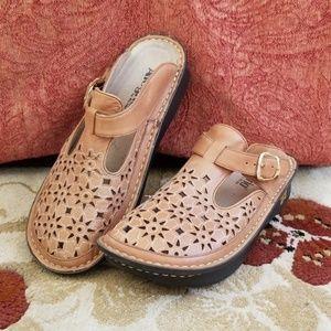 Shoes - Alegria Clogs